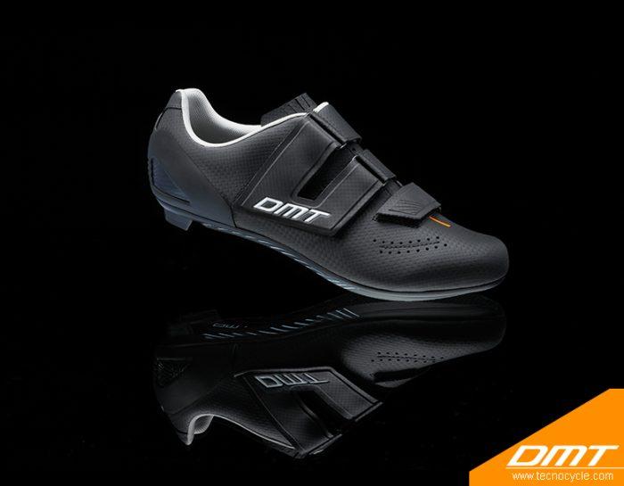 D6 Black