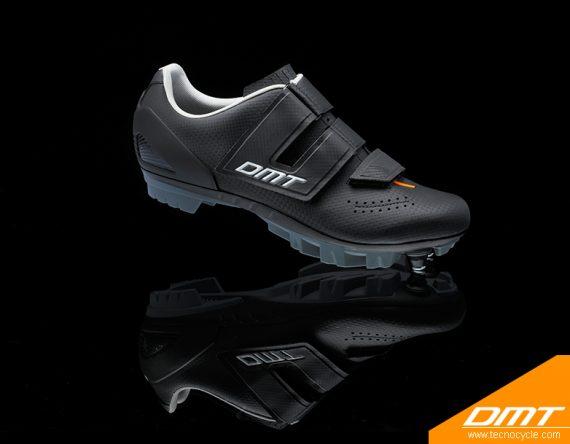 DM6 Black